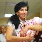 Простые женщины, которые родили после 50 лет (без суррогатной матери)