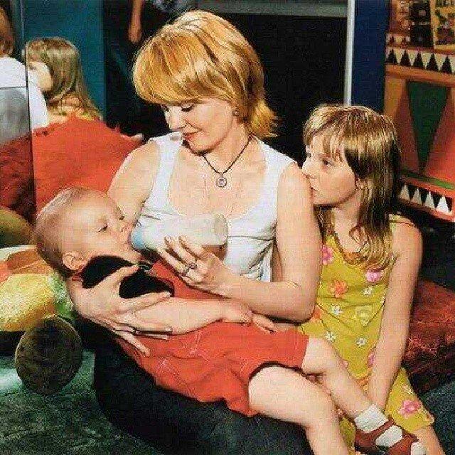 Валерия с маленькими детьми