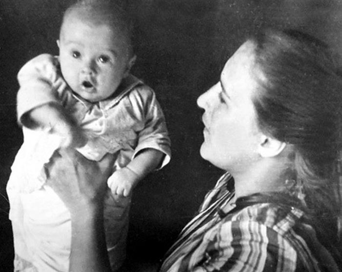 Нонна Мордюкова с сыном Володей