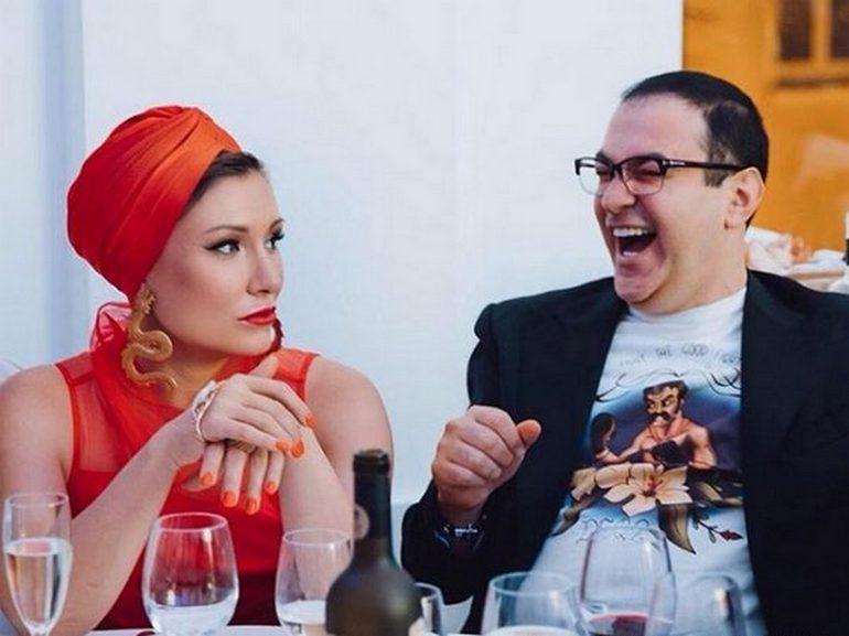 Жанна и Гарик Мартиросян на презентации книги «Записки жены юмориста»