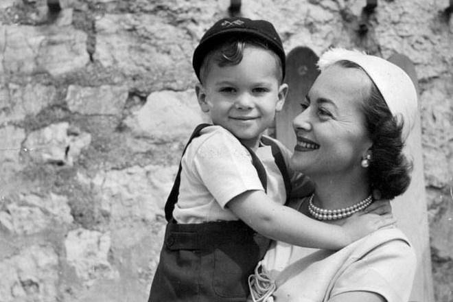Оливия де Хэвилленд с сыном Бенджамином