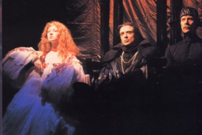 Фото 2. Амалия в роли Анны Болейн, 1995 г.