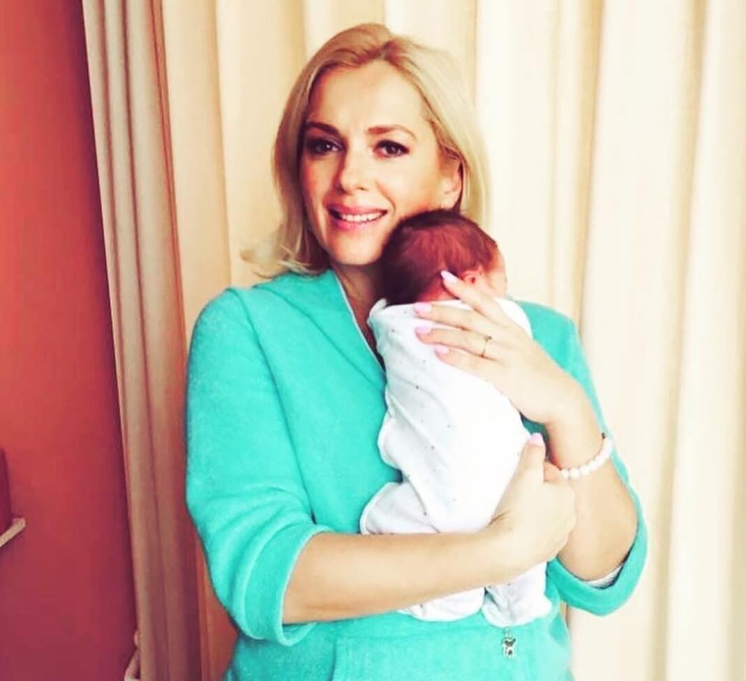 Мария Порошина с новорожденным сыном