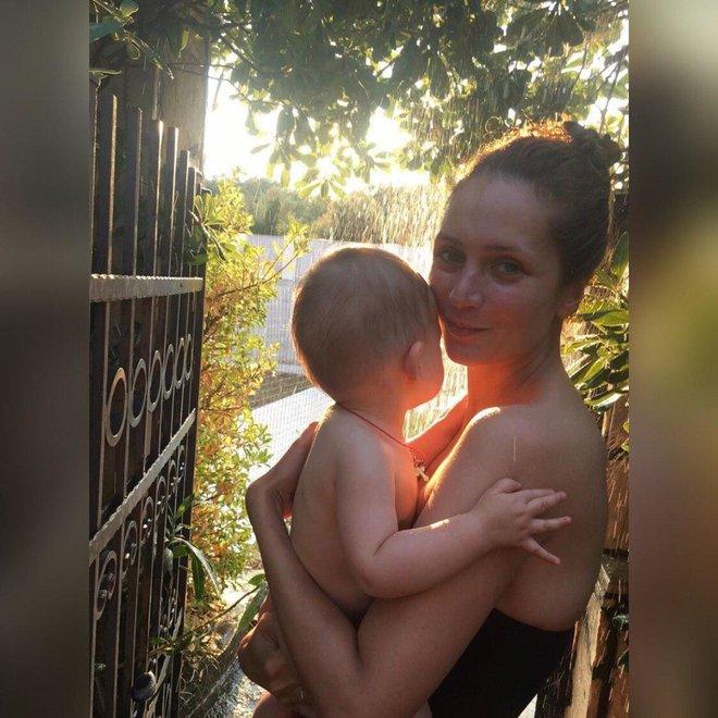 Исакова с маленькой дочерью, фото опубликовано весной 2019