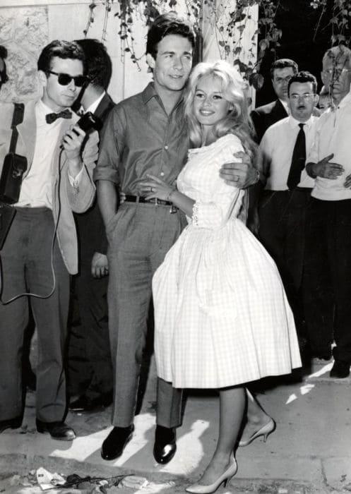 Жак Шарье и Брижит Бардо в день свадьбы, 1959 г.
