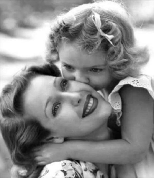 Лоретта Янг с дочерью Джудит