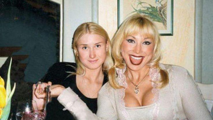 Маша Распутина со старшей дочерью Лидией Ермаковой