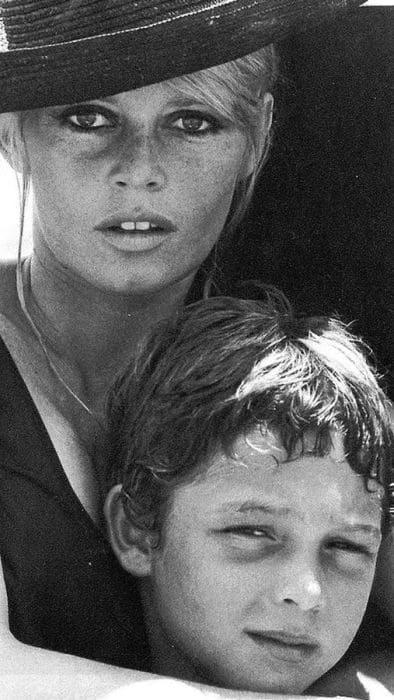 Брижит Бардо с подросшим сыном