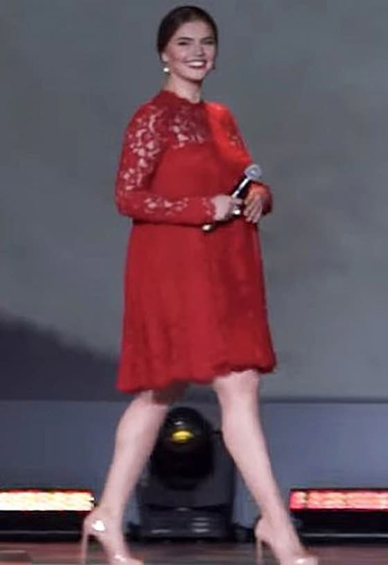 Алина Кабаева в красном платье 2015 год