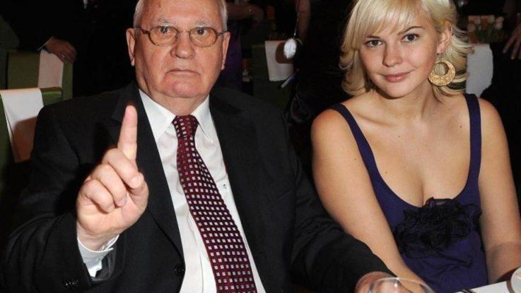 михаил горбаев с внучкой