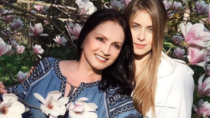 София Ротару с внучкой