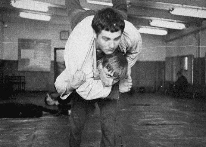 Владимир Путин в молодости на тренировке