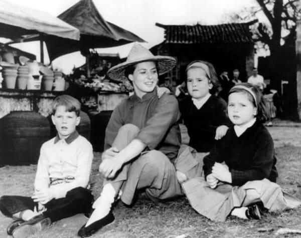 Ингрид Бергман с сыном и дочерьми