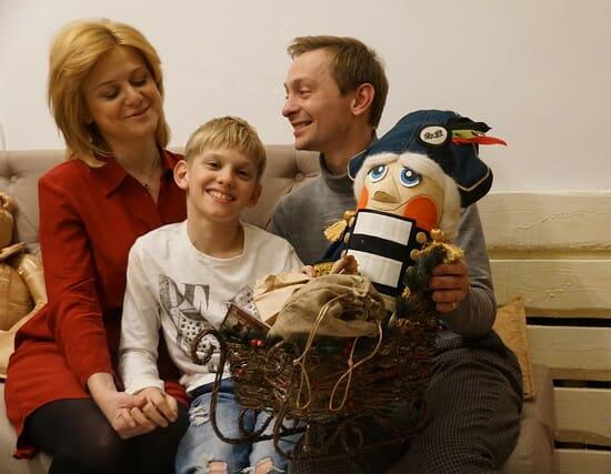 Евгений Кулаков с сыном аутистом и женой