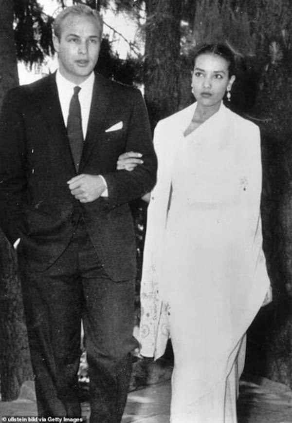 Марлон Брандо с первой женой Анной Кашафи