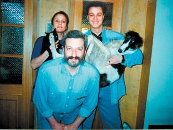 Алексей Макаров с мамой и отчимом