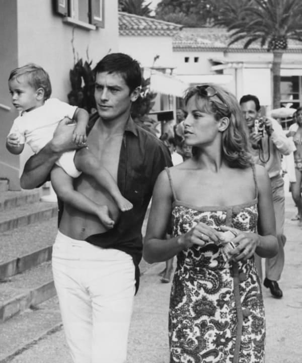 Ален Делон и Наталья Бартелеми с сыном