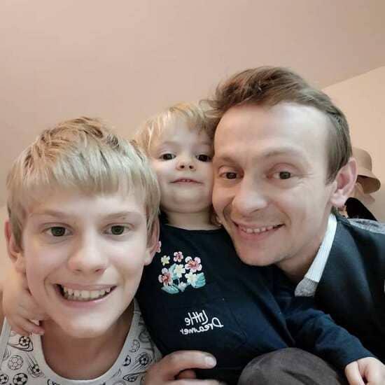 евгений куликов с сыном аутистом и дочерью