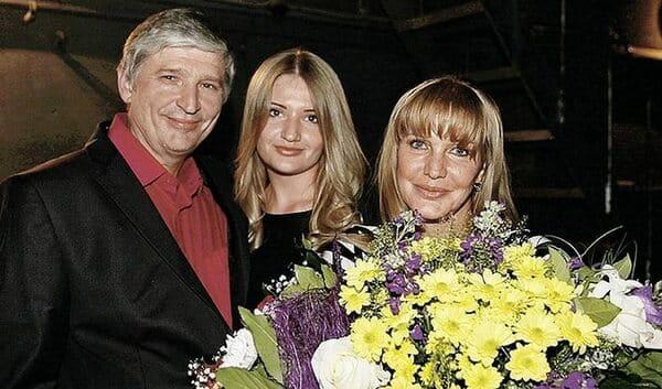 Елена Проклова с третьим мужем Андреем Тришиным и дочерью Полиной