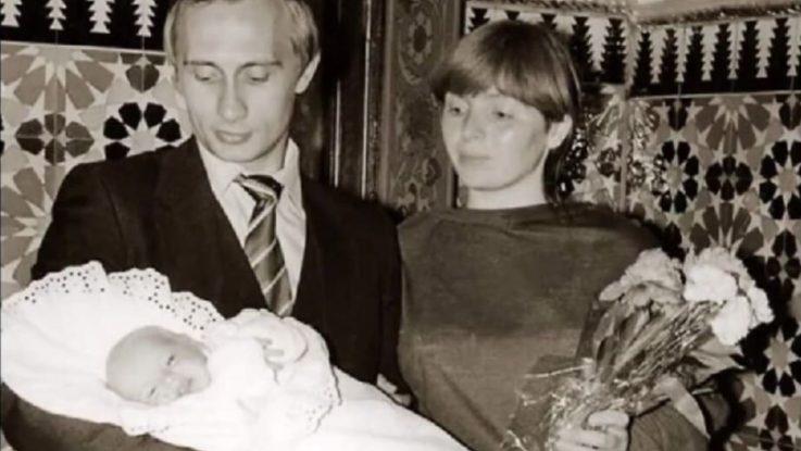 Владимир и Людмила Путины после рождения первой дочери Маши
