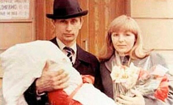 Владимир и Людмила Путины после рождения второй дочери Кати