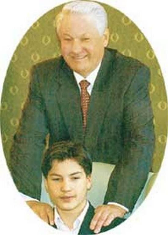 Борис Николаевич Ельцин с любимым внуком