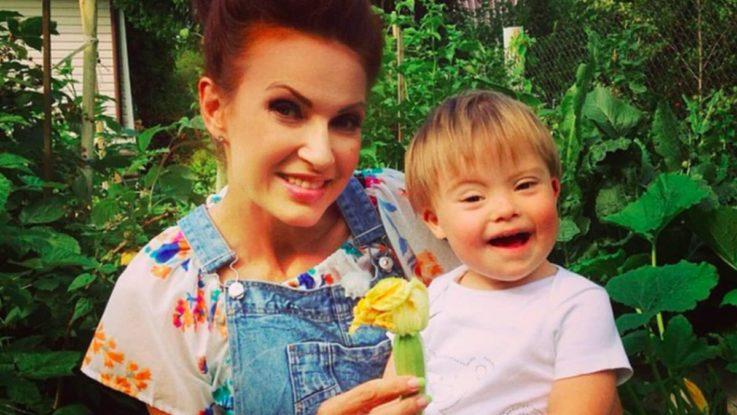 Сын Эвелины Бледанс родился с синдромом Дауна