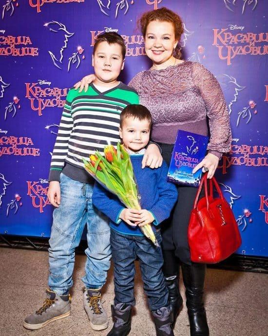 Татьяна Абрамова с сыновьями Иваном и Александром