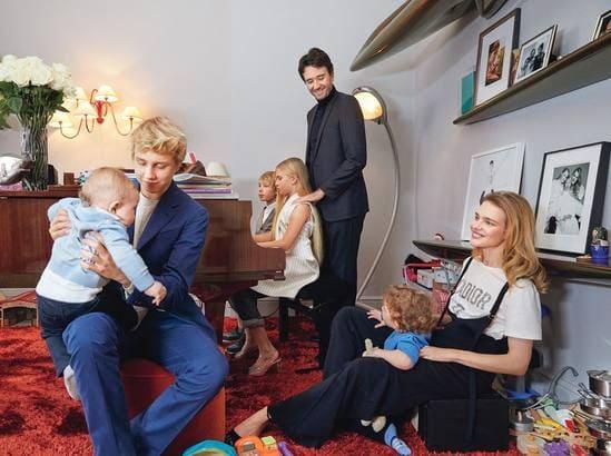 Наталья Водянова и ее дети и муж, общее фото