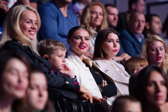 Алина Кабаева с племянниками
