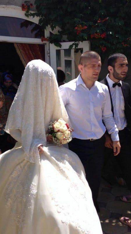 Хабиб Нурмагомедов с женой