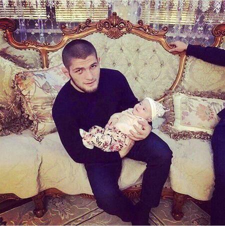 Хабиб с сыном Магомедом