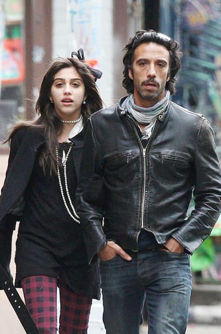 Дочь Мадонны Лурдес с отцом