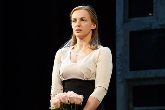 Ирина Леонова на сцене театра
