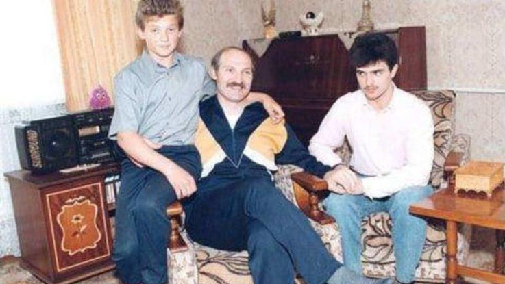 Сыновья Лукашенко Виктор и Дмитрий в детстве с отцом