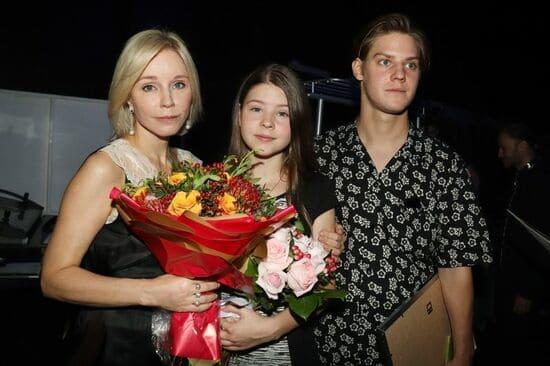 Марина Зудина сейчас с детьми