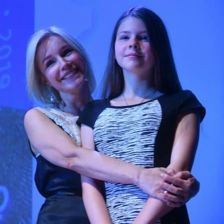 Марина Зудина с дочерью Машей, сентябрь 2019 г.