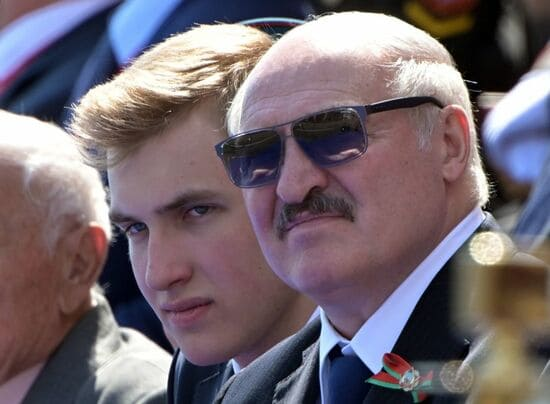 Александр Лукашенко и сын Николай
