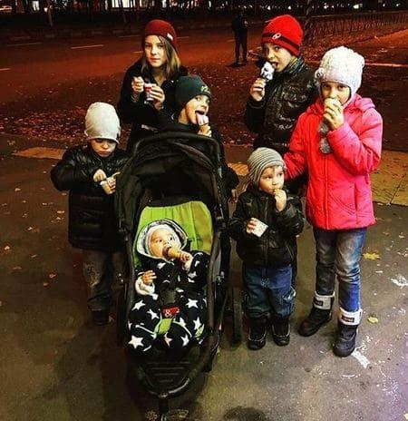 7 детей Евгения Цыганова и Ирины Леоновой