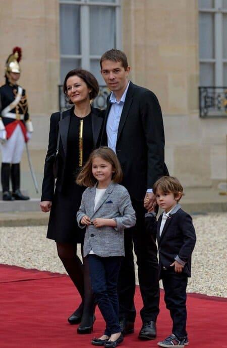 Себастьян Озьер с женой и детьми
