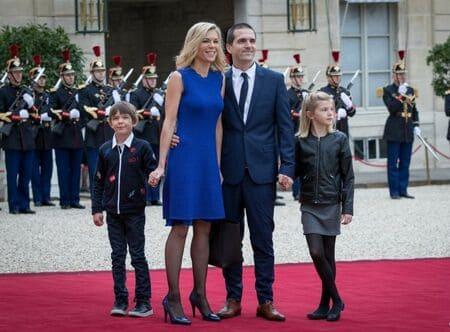 Лоранс Озьер с мужем и детьми