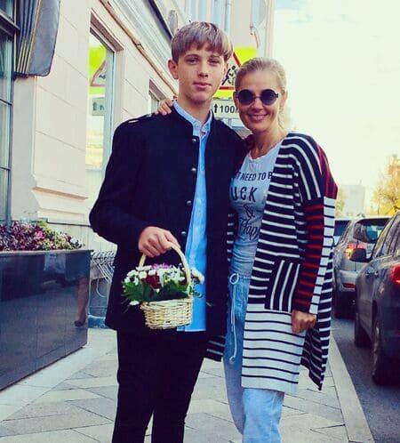 Ирина Линдт с сыном от Золотухина