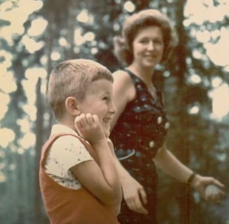 Валентина Леонтьева с маленьким сыном Митей