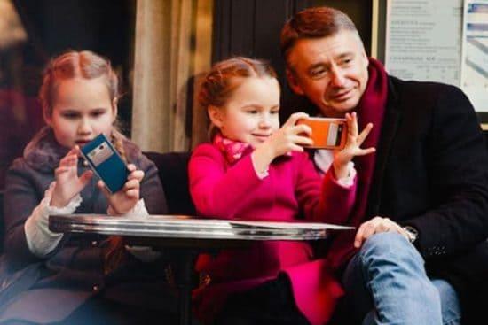 Табаков с дочерьми Тоней и Машей
