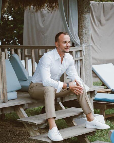 Игорь Сивов считает себя тренером личностного роста и проводит онлайн тренинги