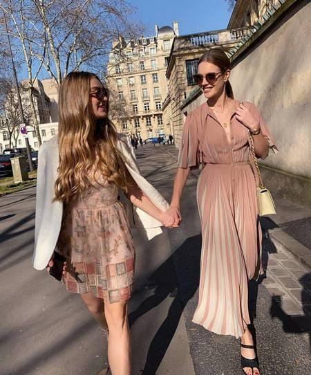 Наталья Водянова и Кристина перед показом Dior, февраль 2019 г.