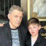 Одни перекосы: Как странно Александр Невзоров воспитывает сына Сашу