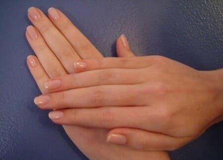 Руки Эшли Ковингтон обладают безупречными пропорциями