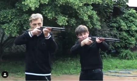 Невзоров-старший приучает сына к мужским развлечениям