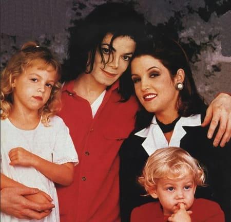 Майкл Джексон и Лиза Мария Пресли с детьми